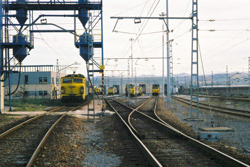 Maintenance of transmission and catenary lines