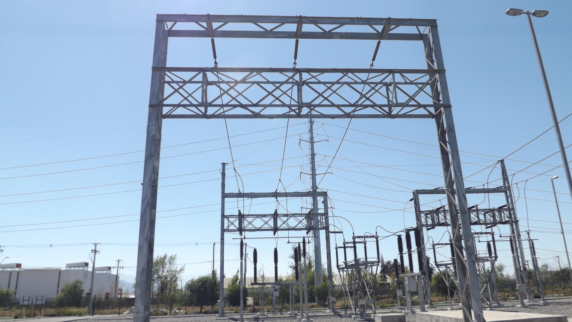 DOS SUBESTACIONES 220/23 kV PLANTA SOLAR 100 MW LLANO DE LLAMPO.