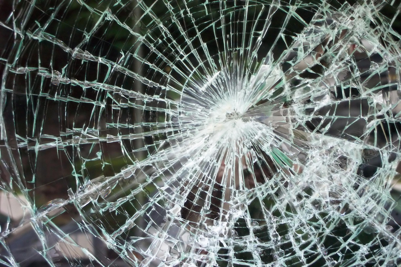 Teoría-de-los-cristales-rotos